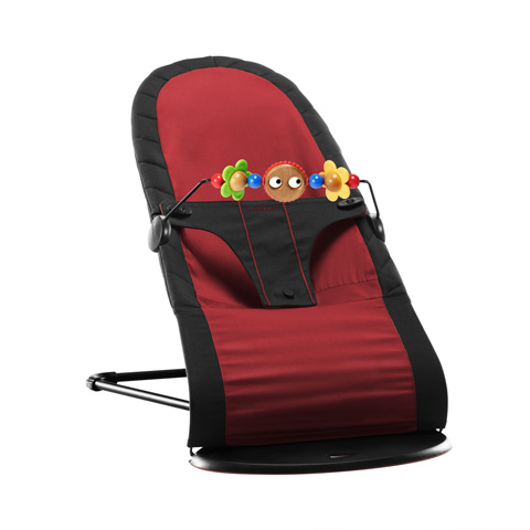 Sdraiette - Sdraietta Baby Sitter Balance con gioco in legno Black / Red [009064] by Baby Bjorn